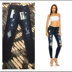 🆕. Distressed Mid Rise Ankle Skinny
